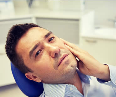 Choosing Root Canal Treatment Over Tooth Extraction